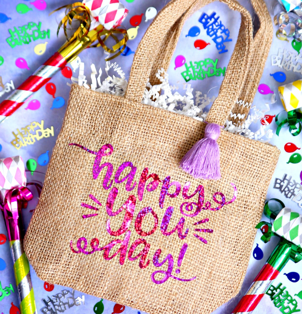 Make Custom Birthday Gift Bags With Vinyl And Your Handy Dandy Cricut