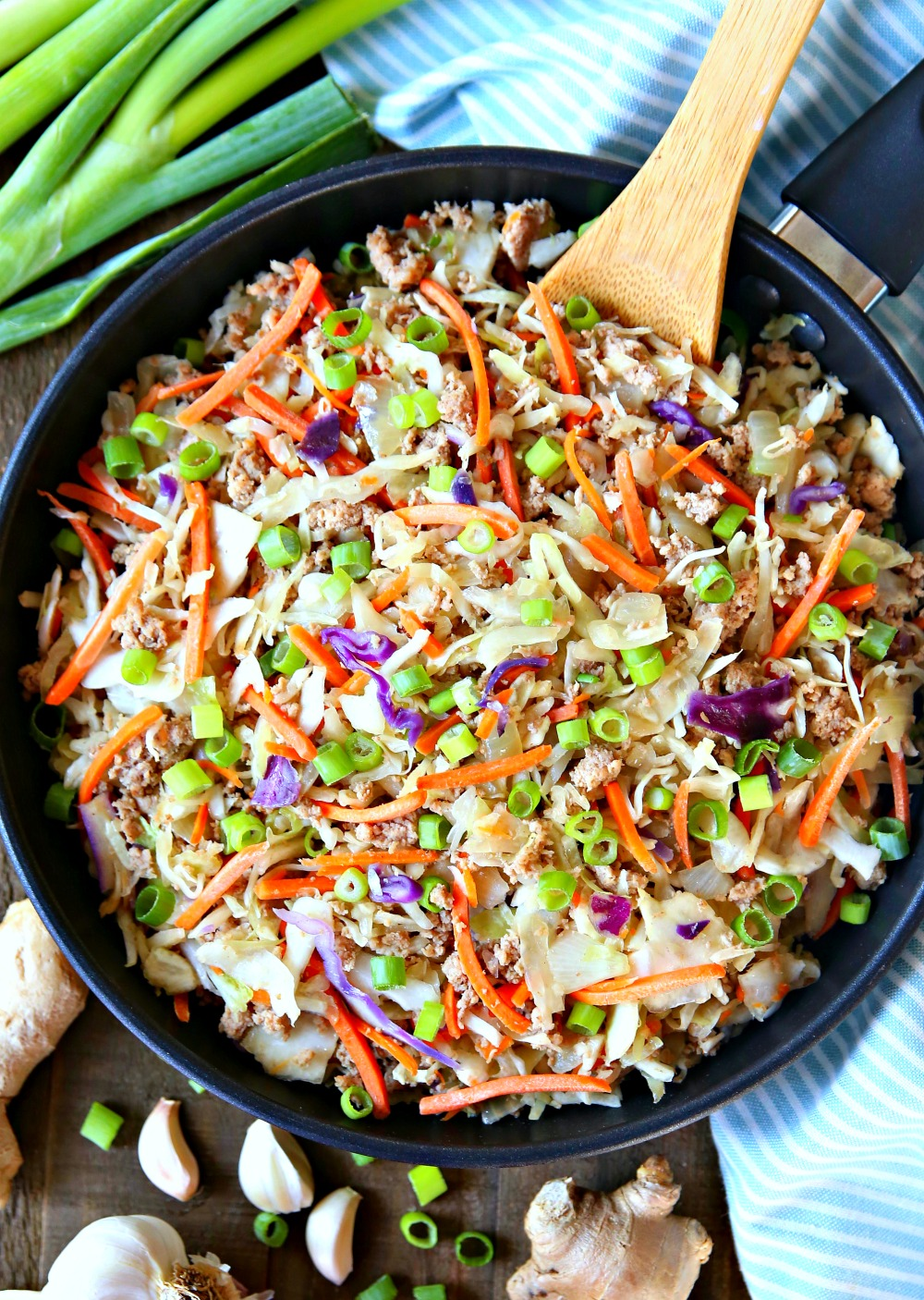 Egg Roll in a Bowl - Egg Roll Skillet Meal - A delicious one skillet meal the enitre family will love!