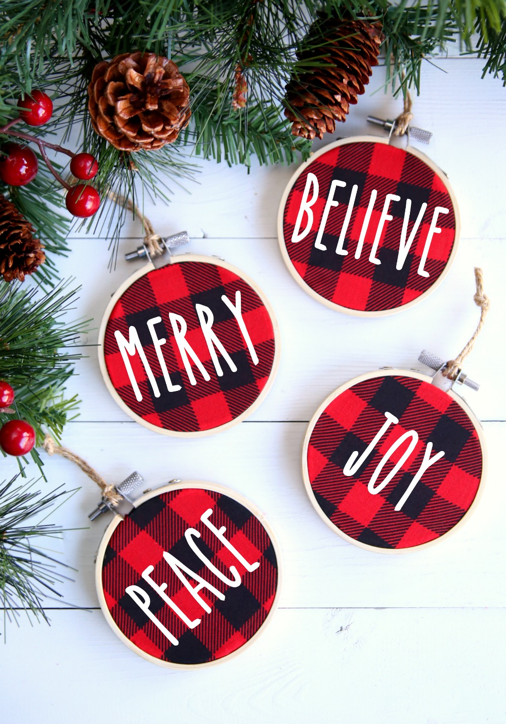 Make these Buffalo Check Christmas ornaments in five easy steps.  You just need a few simple supplies and about 10 minutes of your time to whip up these fabulous Christmas ornaments.