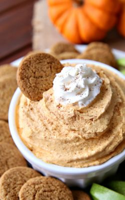 Pumpkin Pie Dip A delicious fall treat full of pumpkin spice