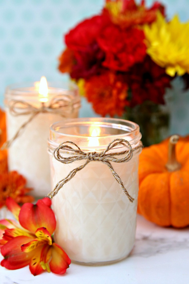 These DIY Pumpkin Spice Candles are the perfect handmade gift for the holidays.  They're easy to make and smell amazing!  Add the free labels for the perfect hostess gift. #handmadecandles #DIYcandles #pumpkinspice #pumpkinspicecandles