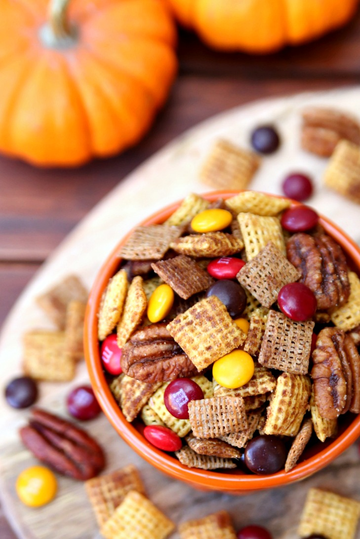 Pumpkin Spice Chex Mix Recipe - The perfect fall snack!