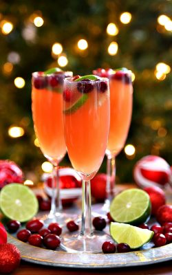 Celebrate the holidays with Christmas Mimosas!
