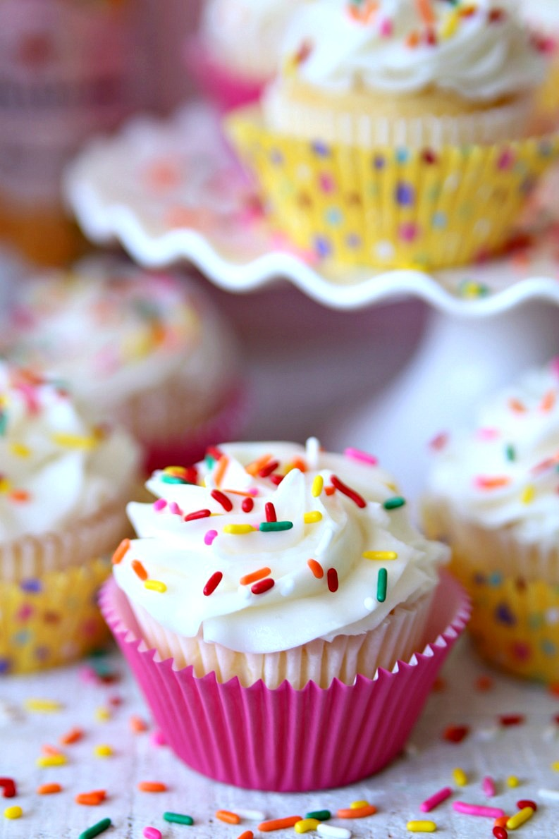 two-ingredient cupcakes