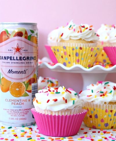 2 ingredient cupcakes made with cake mix and sparkling water.