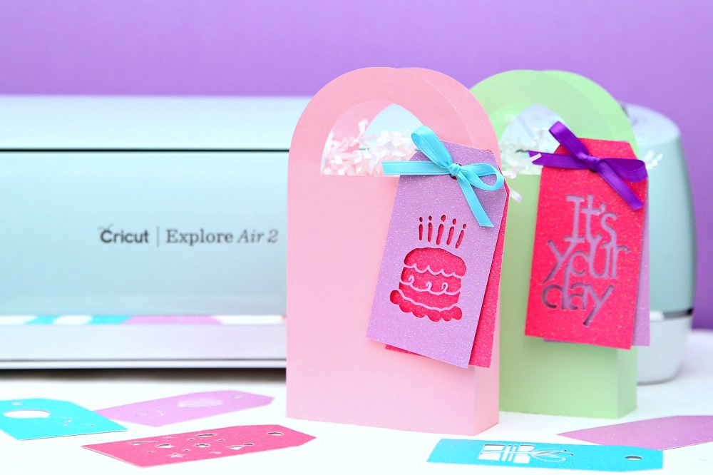 Make your own gift bags and gift tags with Cricut