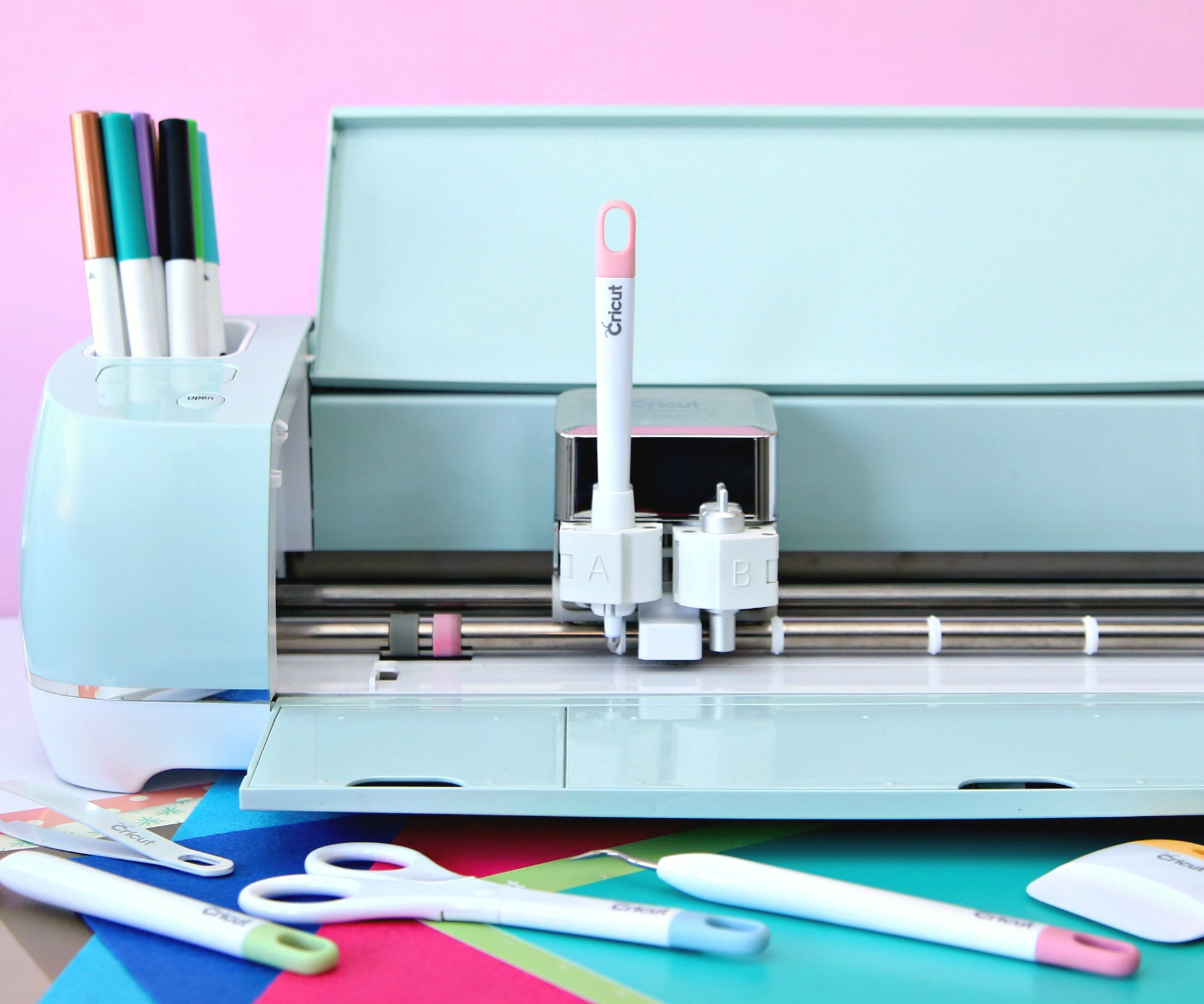 The Ultimate Cricut Gift Guide for Every Budget
