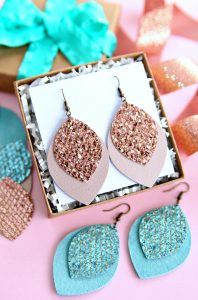 https://www.happygoluckyblog.com/wp-content/uploads/2019/11/Glitter_Leather_Earrings_Tutorial-198x300.jpg