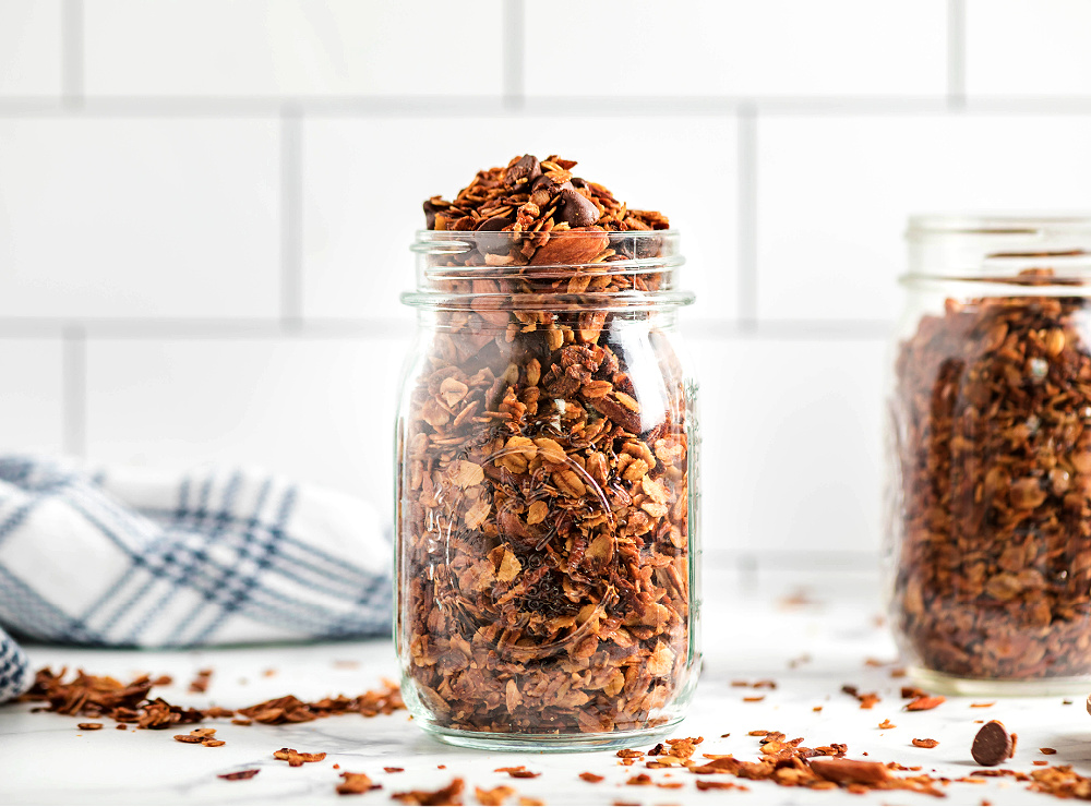 Easy Homemade Granola Mason Jar